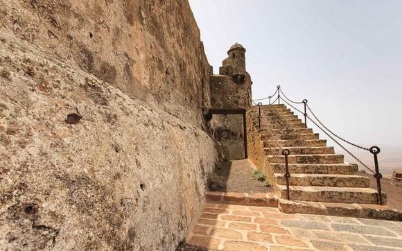 santa-bárbara-castle-leyend