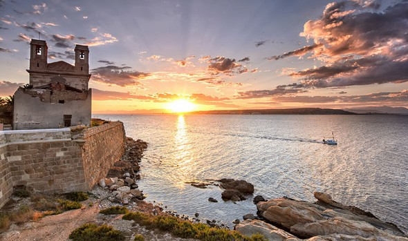 adventure-heritage-and-beauty-can-all-be-found-on-la-isla-de-tabarca-history