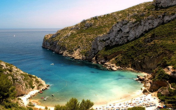 why-the-costa-blanca-is-one-of-the-best-destinations-for-hotel-lovers-beaches