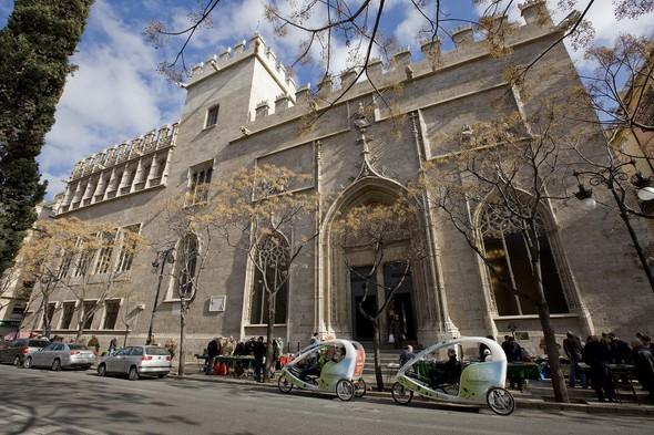 explore-the-5-most-visited-monuments-of-the-comunitat-valenciana-lonja-de-seda