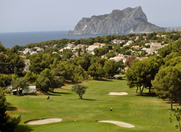 golf-tourism-a-soaring-market-on-the-greens-of-alicante-a-golf-paradise