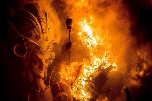 valencia-will-light-more-than-700-bonfires-during-the-2015-falles-festival-history