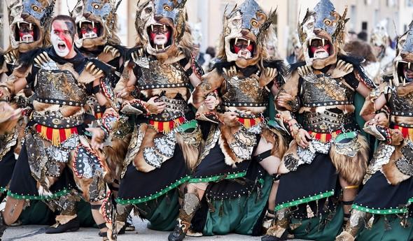 discover-the-fiesta-de-moros-y-cristianos-de-valencia-a-visual-spectacle-that-is-sure-to-impress-alicante