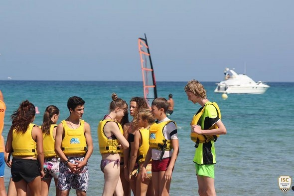personal-improvement-learning-spanish-becoming-responsible-amongst-many-other-benefits-are-just-some-of-the-things-spanish-summer-camps-in-alicante-have-on-offer-sport