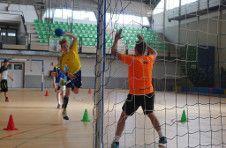 Thumbnail training at handball