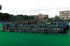 Thumbnail ISC students from all over the world at the hockey camp