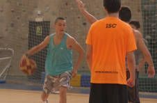 Thumbnail basketball summer camp for students
