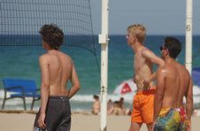 Thumbnail students students playing volleyball on Alicante beach