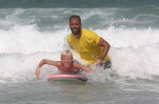 Thumbnail international student having fun surfing